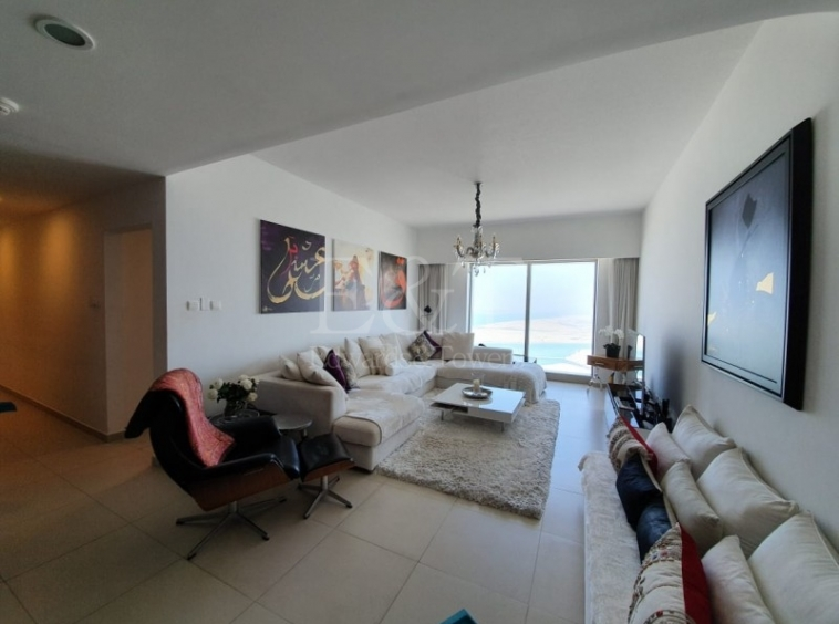 High Floor Furnished apartment in Gate!