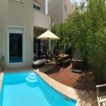 I Beautiful mature garden | Upgraded villa |Vacant