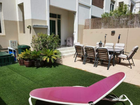 Ready 2 bed+Maid's+Study townhouse with big garden