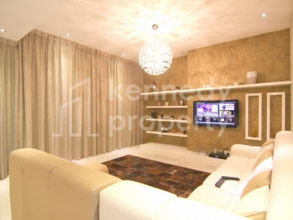 Exclusive VIP Upgraded 3beds+M Townhouse