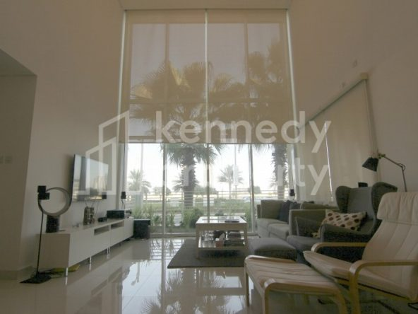 High End Fantastic 2 bed Townhouse +Terrace +Store