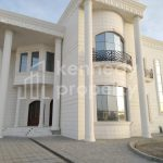 Huge Villa   Well Maintained I Private Garage
