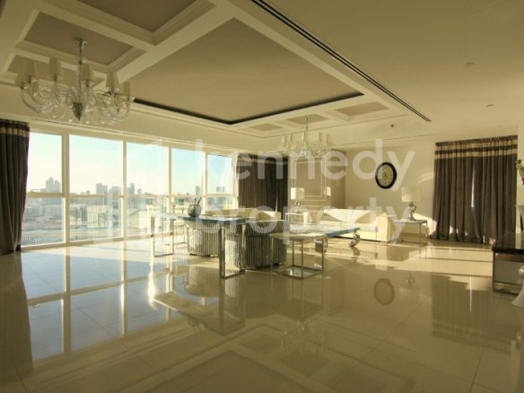 MUST SEE Sea view Large 4bed+M Luxury Apt MAG5