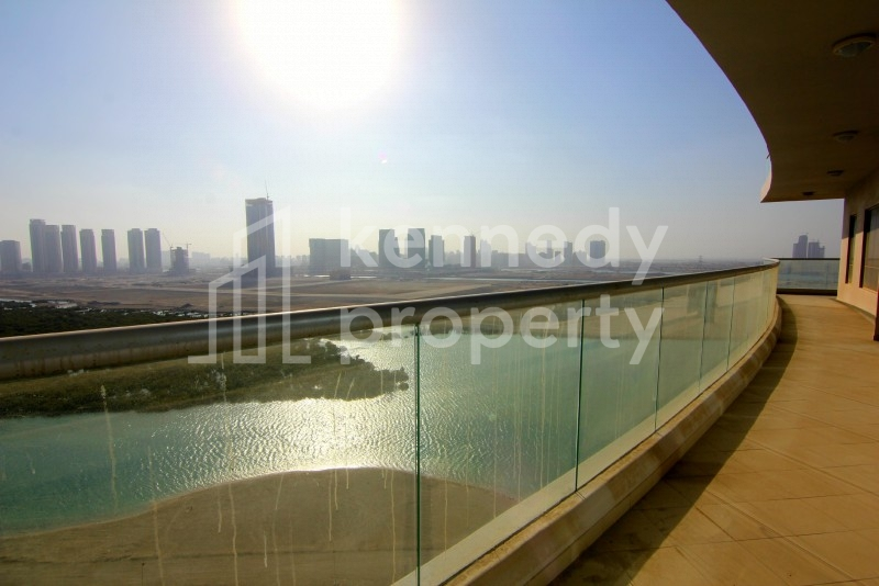 Best Large Layouts  I Sea Views I Spacious Balcony