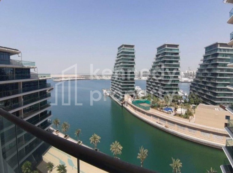 Price reduced| Sea/Canal View | 2 Balconies