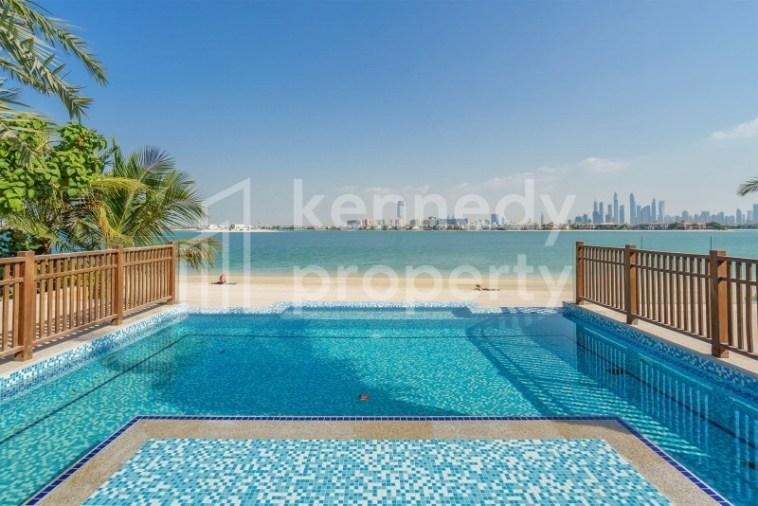 Beachfront Mansion | Panoramic Views | 6 Parking