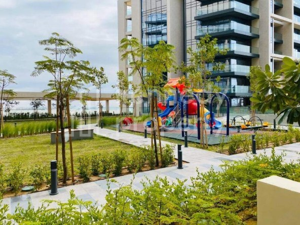 Nice Private Park I 4 Cheques I Hot Deal