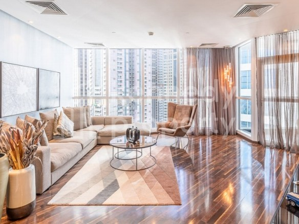 Upgraded I Prime Location I Luxury Furniture