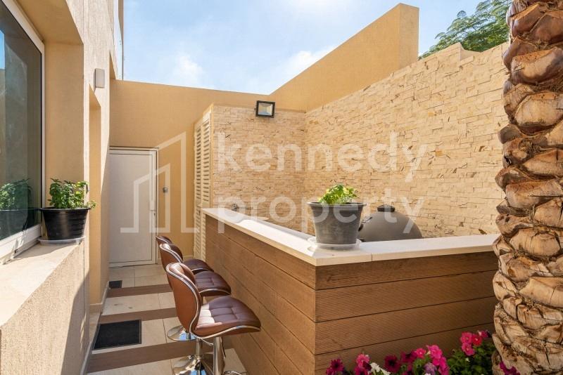 Single Row I Upgraded Interior I Prime Location