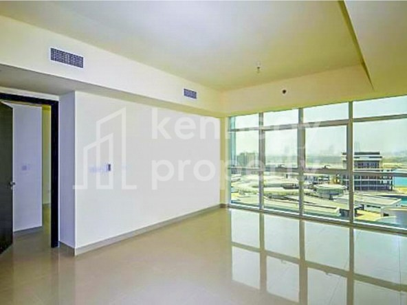 Spacious Unit I Prime Location I High-floor