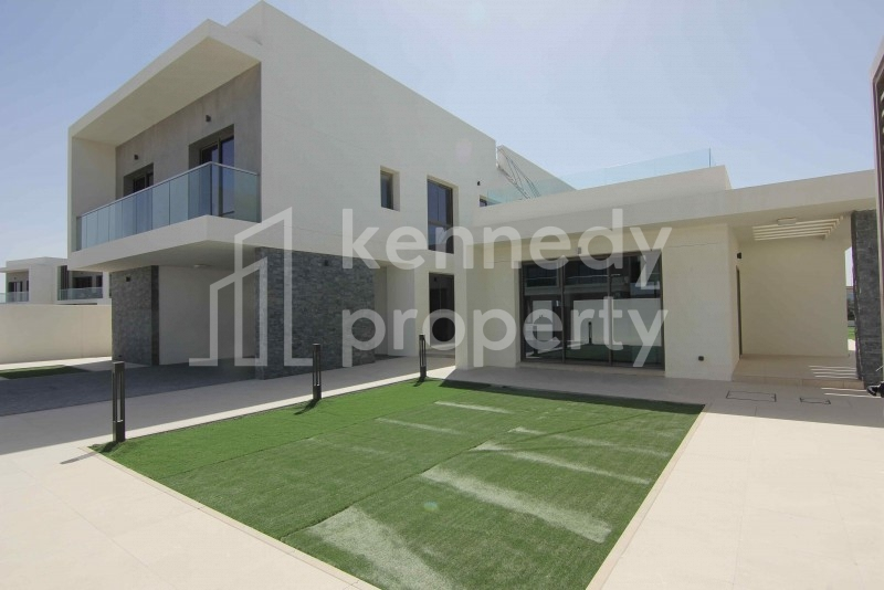 Standalone I Golf Course View I  Huge Plot