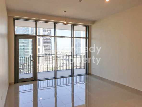 Spacious Layout I Prime Location I High Floor