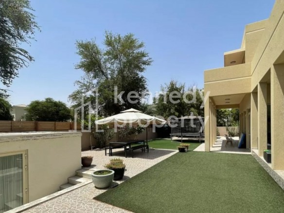 Immaculate Condition | Type 5 | Close to Pool