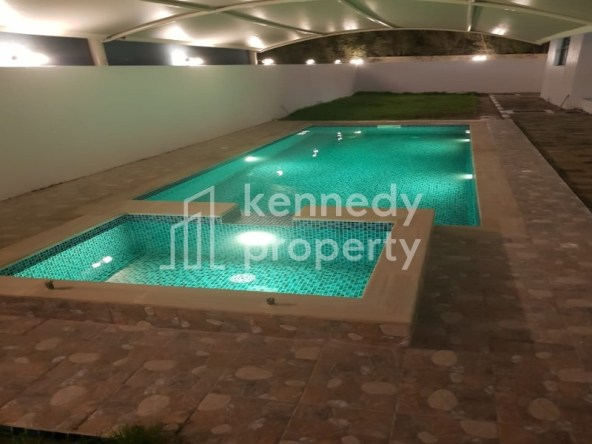 Stand Alone I Private Pool and Jacuzzi I Prime Area