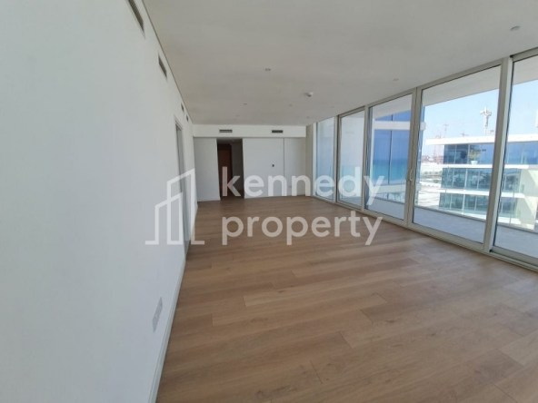 Well Priced | Beachfront | Fully Fitted Kitchen