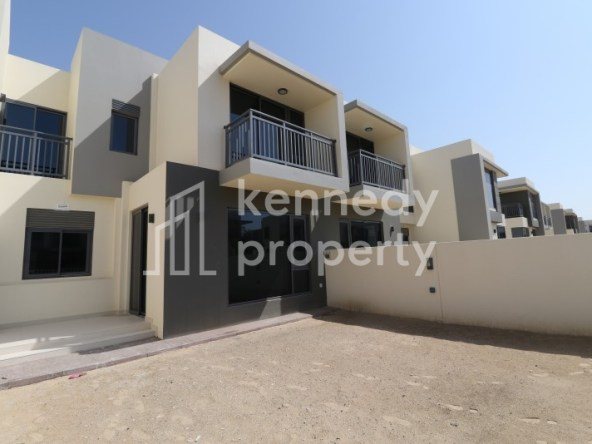 Prime Location   Modern   Near Pool and Park