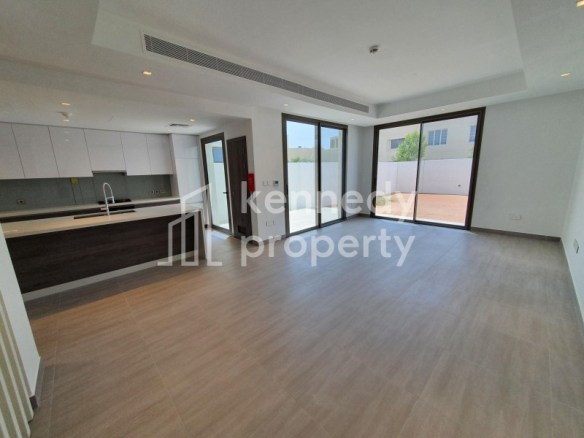 Single Row | Fitted Kitchen | Well Maintained