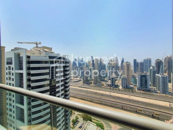 Marina Skyline View | Maid's Room | High Floor
