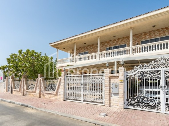 Spacious Living | Private Garden | Well Maintaned