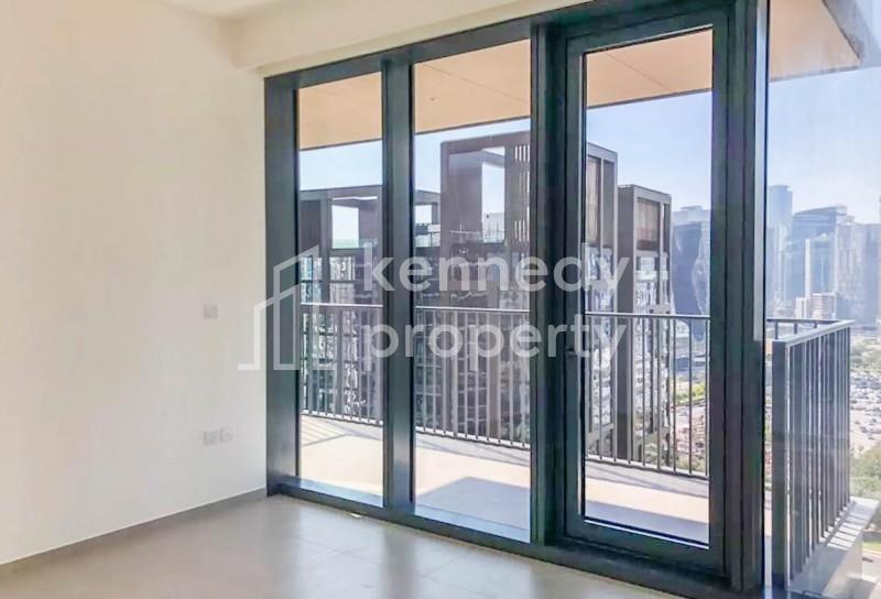 Corner Unit I Huge Balcony I Boulevard View