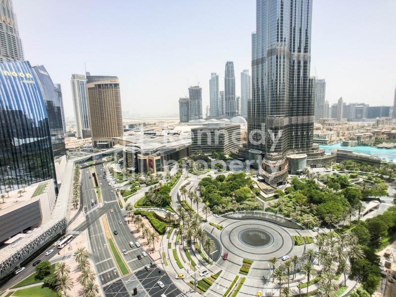 Full Burj Khalifa View | Spacious Layout | Vacant